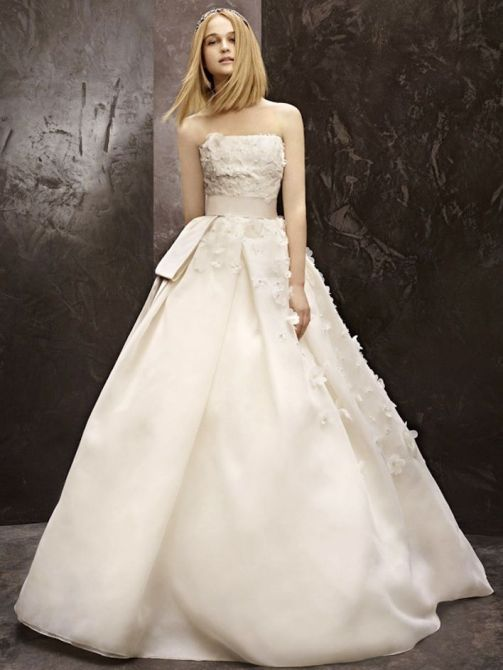 Vera wang wedding gowns sale for Vera wang wedding dress for sale