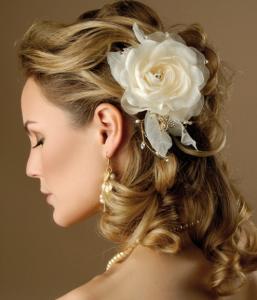 Flower wedding hairstyles 2013
