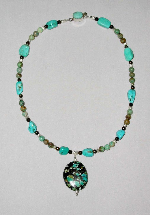 beaded necklace designs pictures