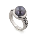 black pearl wedding band trends