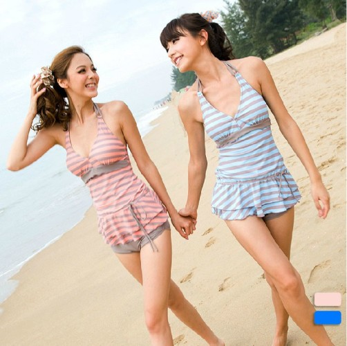 ddf00037f3c7f Tankini for Juniors in a Cute and Trendy Look