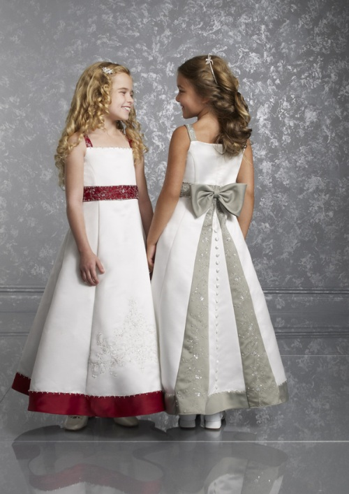 White flower girl dresses macys for Robes de mariage petite macy
