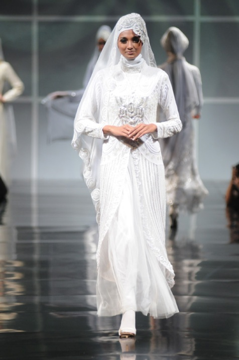 Muslim wedding dresses for bride for Dresses for muslim wedding