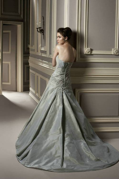 Silver wedding dresses uk for Wedding dress for sale