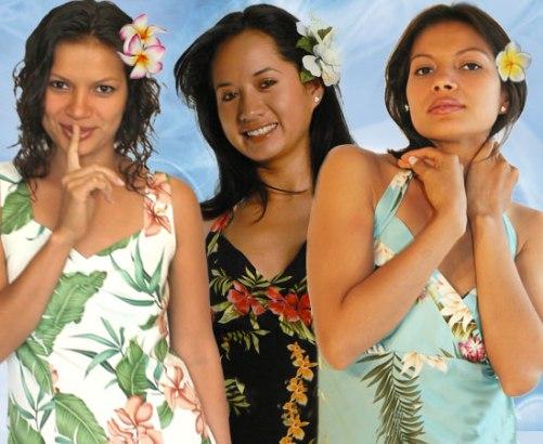 how do hawaiian women dress