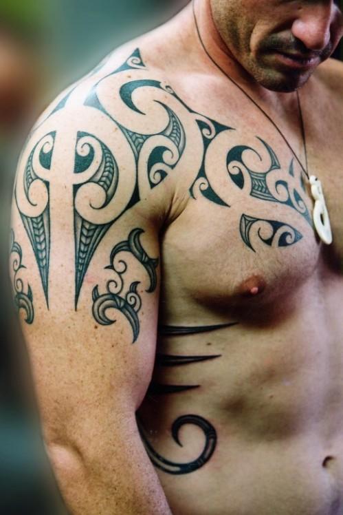 tattoos for back shoulder for man 2013