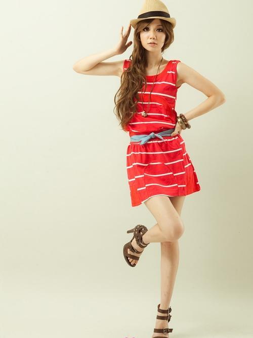 Teen Wearing Nice Dresses